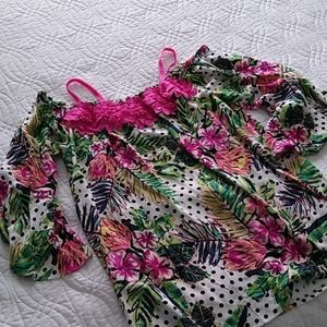 New, Flowery blouse size M